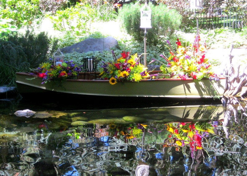 garden tour boat 2
