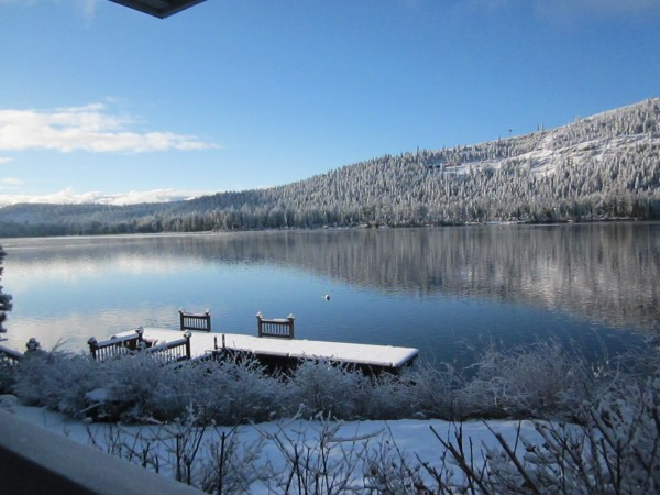 Blue sky spring day at Donner Lake